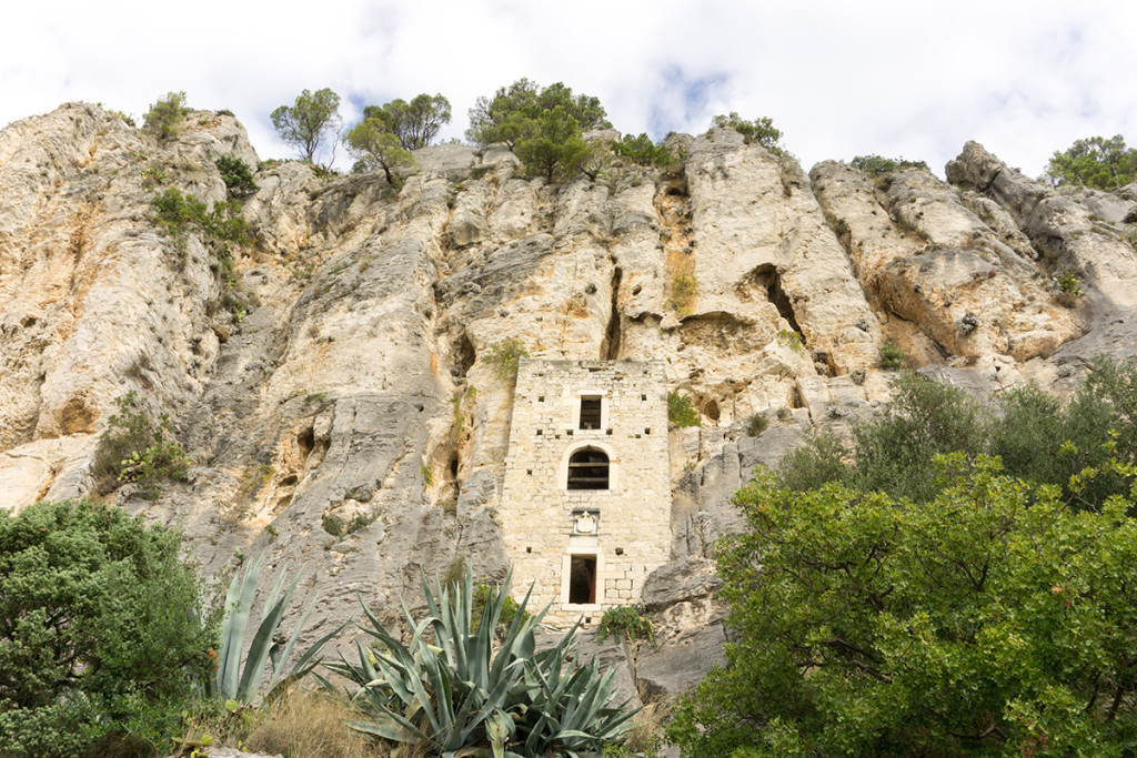 House built in to the rock of Marjan Park